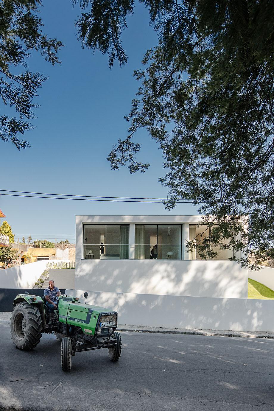 Casa Touguinha - Raulino Arquitecto (17)