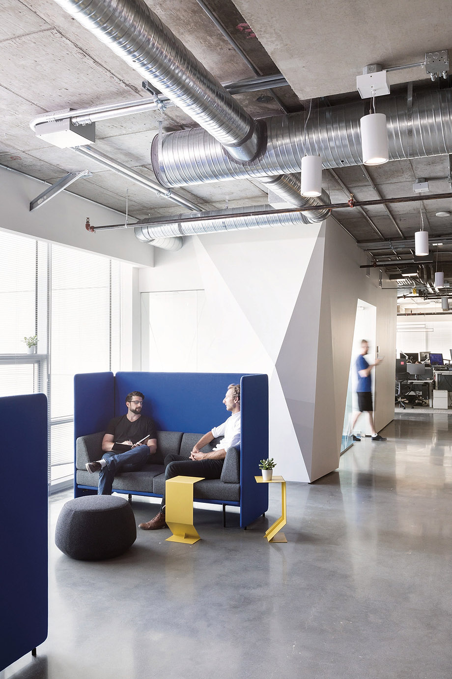 oficinas de capcom en vancouver por analog (3)