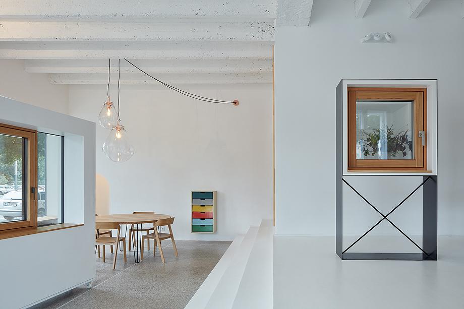 showroom janosik de mjolk architects (6)