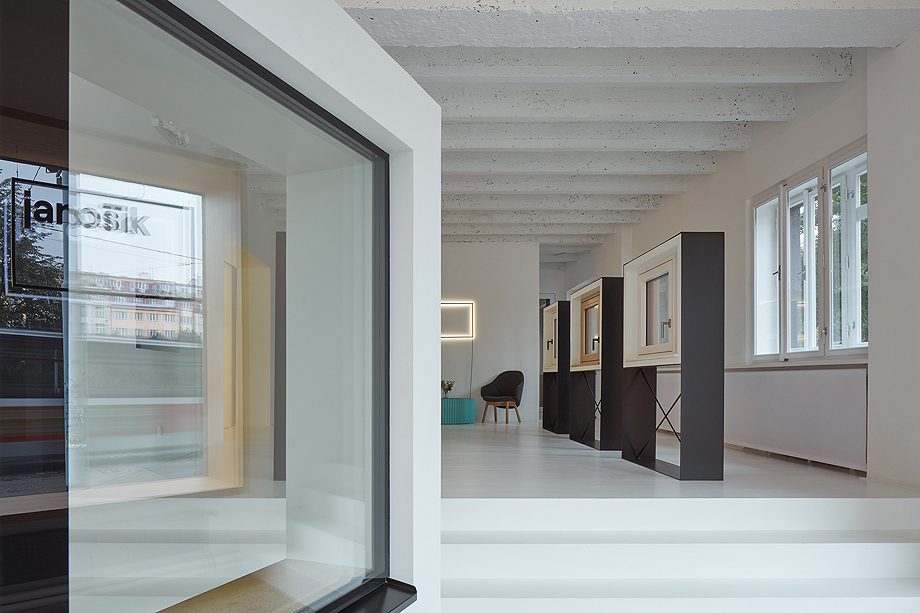 showroom janosik de mjolk architects (8)
