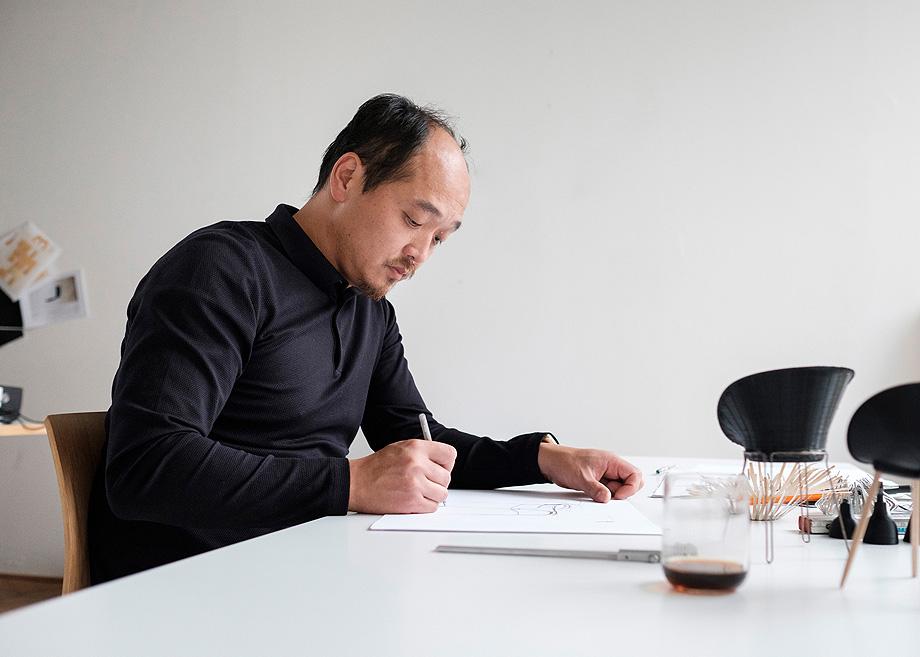 Patrick Frey, Industriedesigner aus Hannover in seinem Atelier.