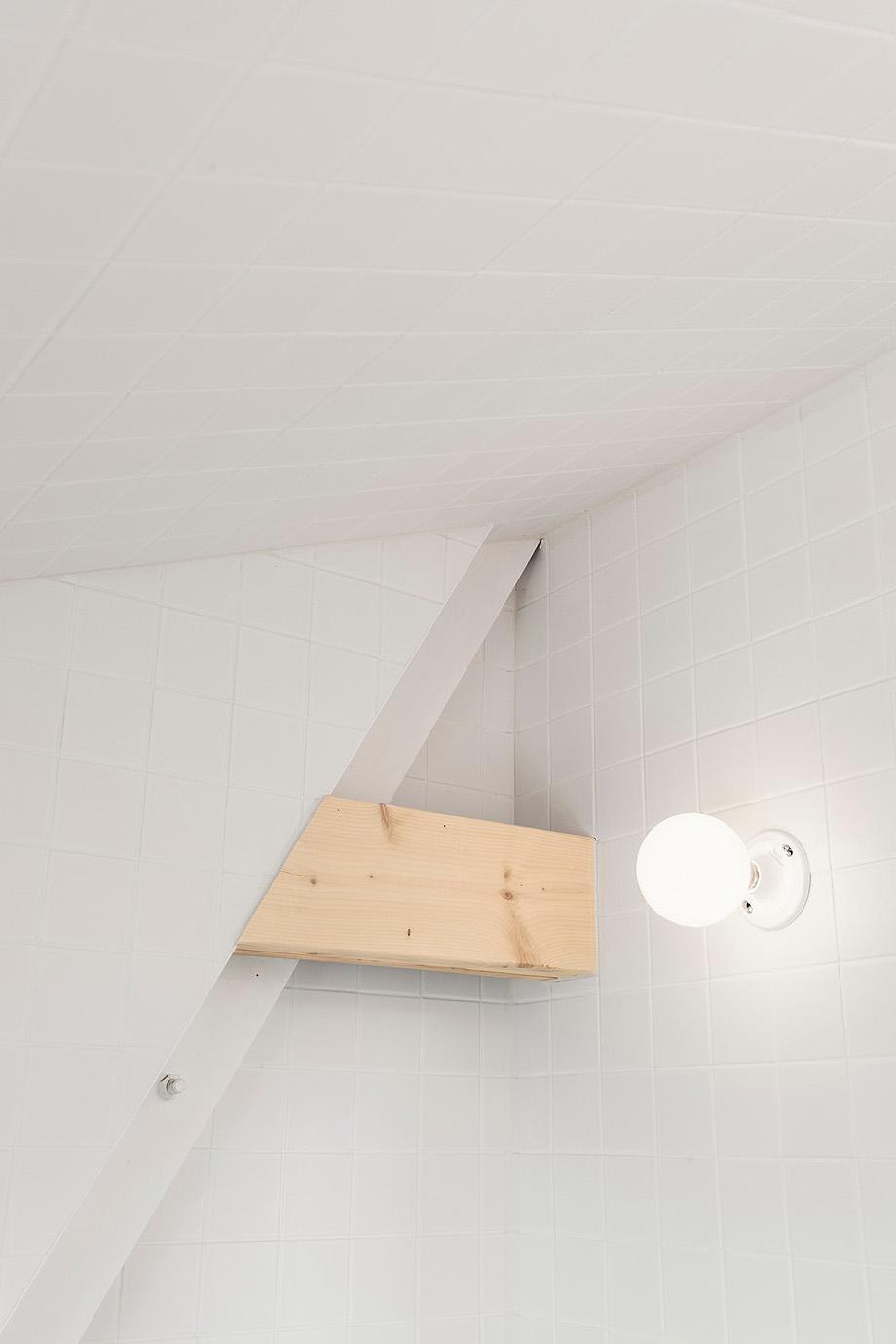reforma de una casa en la montaña por jean verville (19)