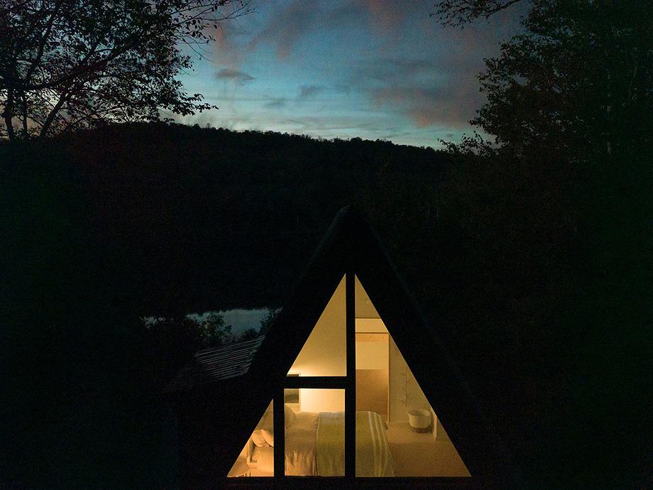 reforma de una casa en la montaña por jean verville (22)