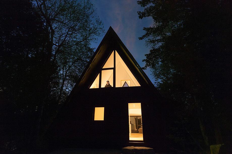 reforma de una casa en la montaña por jean verville (23)