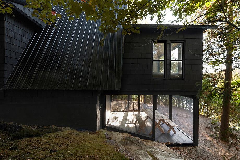 reforma de una casa en la montaña por jean verville (24)
