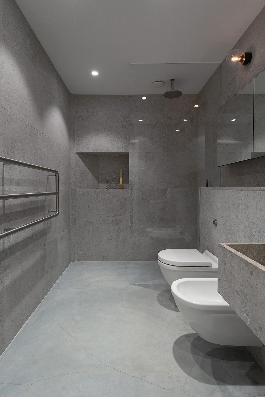 apartamento en gris y oro de richard lindvall (13)