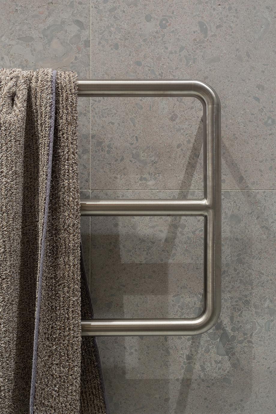 apartamento en gris y oro de richard lindvall (15)