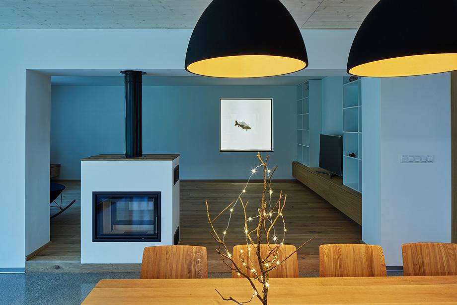 casa unifamiliar en la republica checa de mjolk architects (12)
