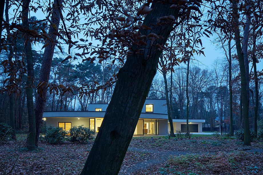 casa unifamiliar en la republica checa de mjolk architects (20)