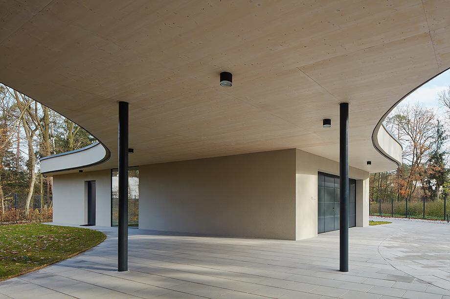 casa unifamiliar en la republica checa de mjolk architects (5)