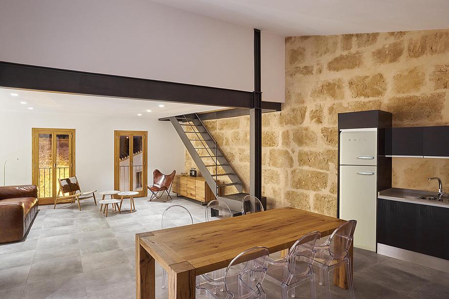 loft en el casco antiguo de alcudia por minimal studio (10)