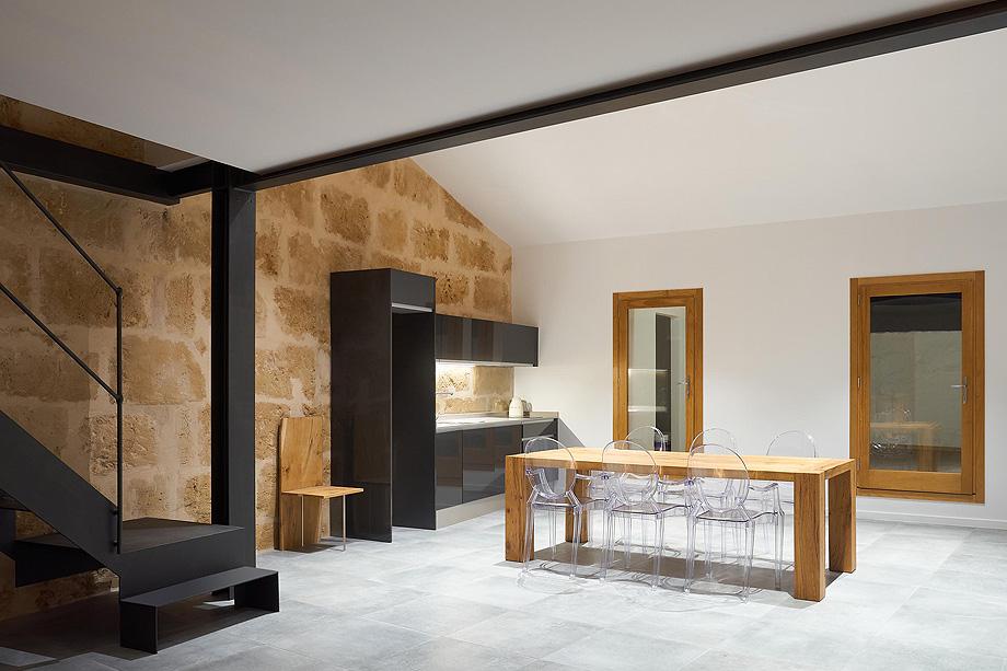 loft en el casco antiguo de alcudia por minimal studio (11)
