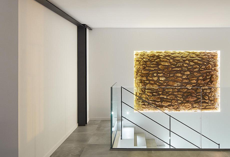 loft en el casco antiguo de alcudia por minimal studio (14)