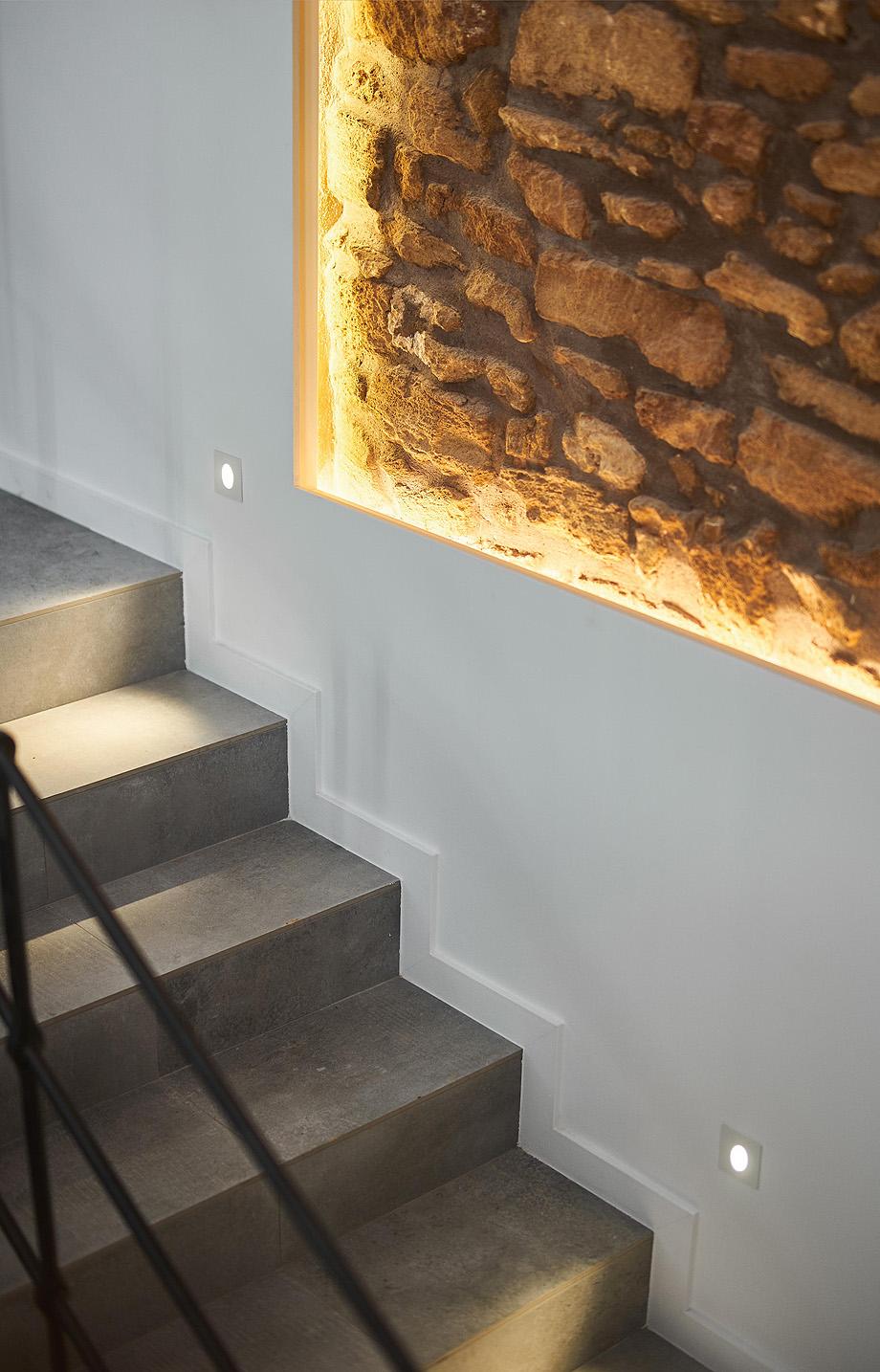 loft en el casco antiguo de alcudia por minimal studio (16)