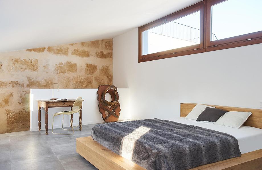 loft en el casco antiguo de alcudia por minimal studio (17)