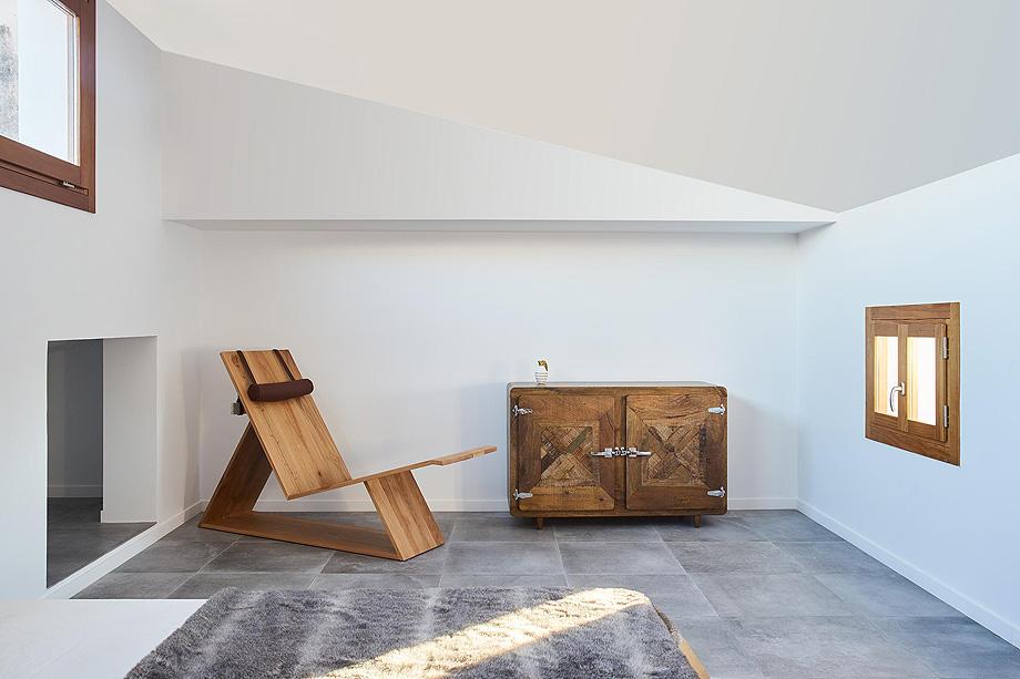 loft en el casco antiguo de alcudia por minimal studio (18)