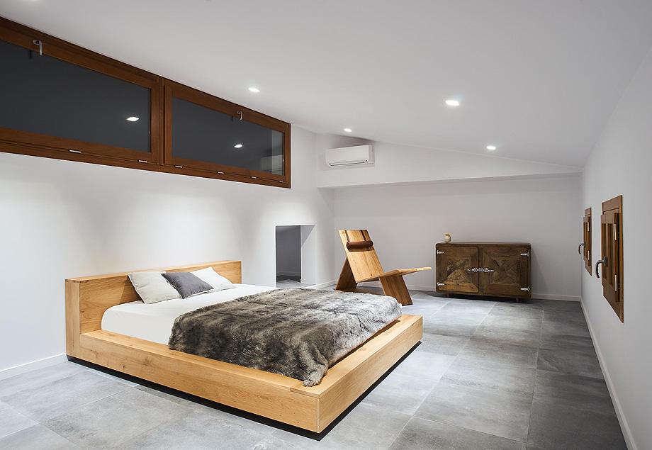 loft en el casco antiguo de alcudia por minimal studio (19)