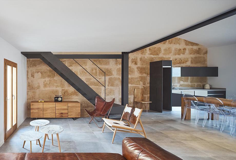 loft en el casco antiguo de alcudia por minimal studio (3)