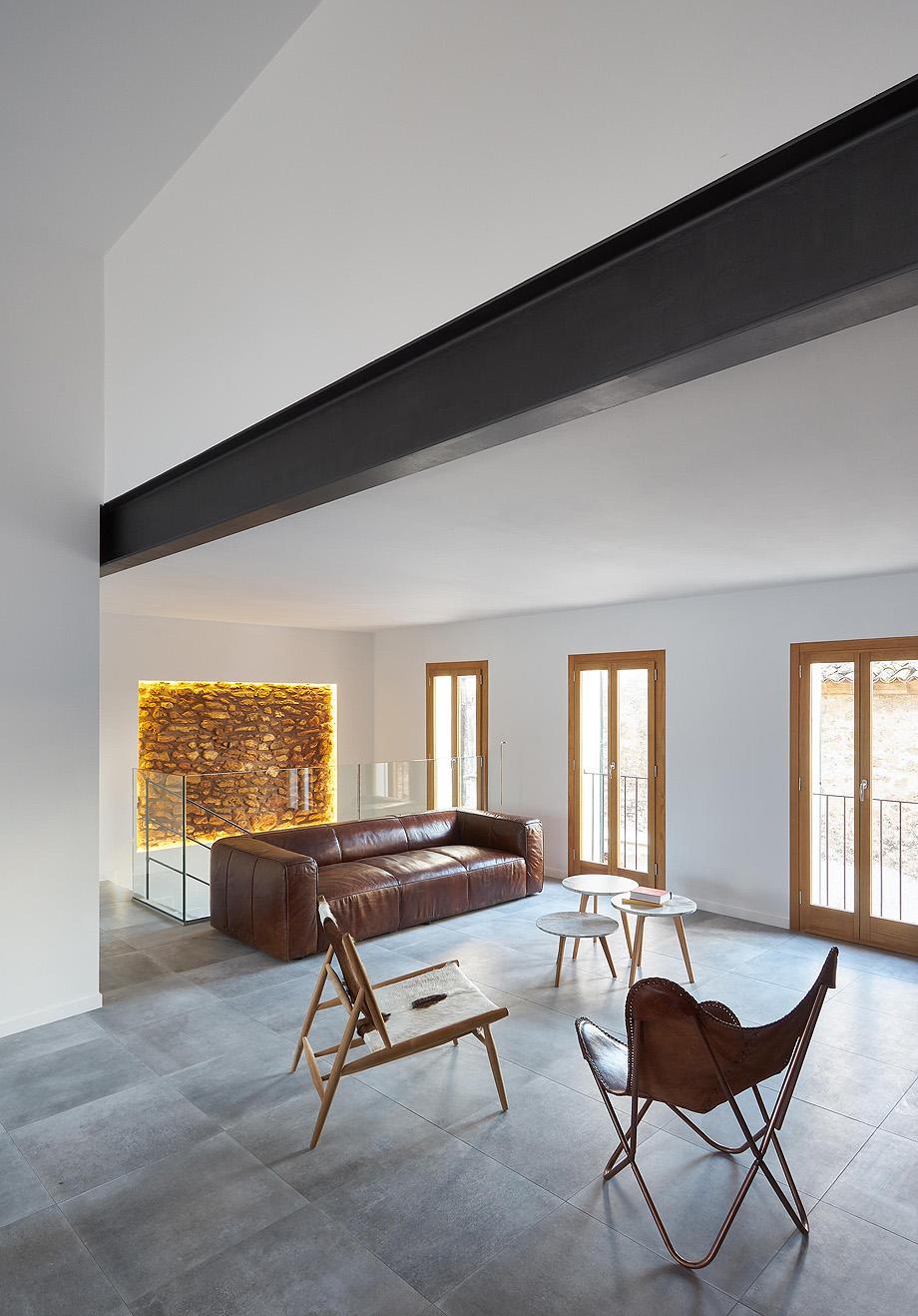 loft en el casco antiguo de alcudia por minimal studio (6)
