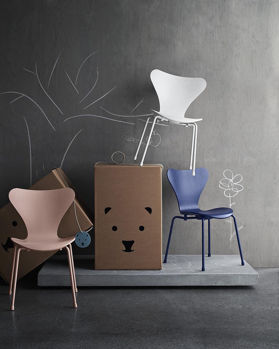 fritz hansen edita la versión infantil de la silla series 7 (2)