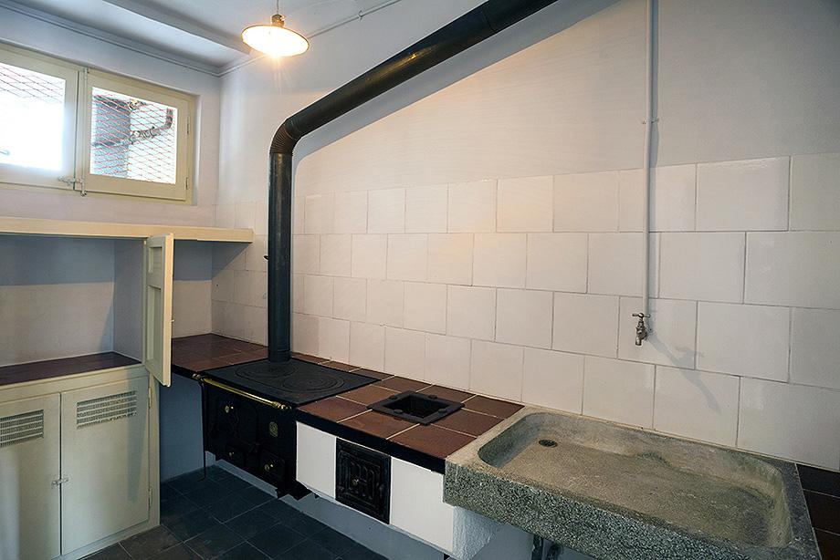 cocina piso museo casa bloc - foto xavi padros