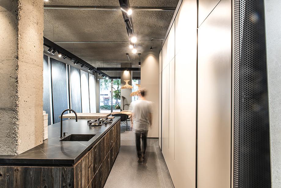 formatos xxl showroom azul acocsa barcelona 2018 (1)