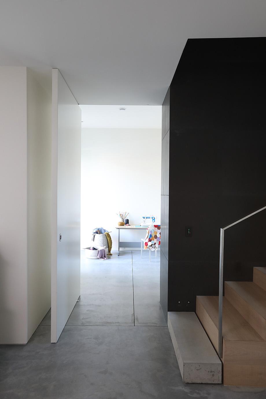 casa en vancouver de mcleod bovell modern houses - foto ema peter (14)