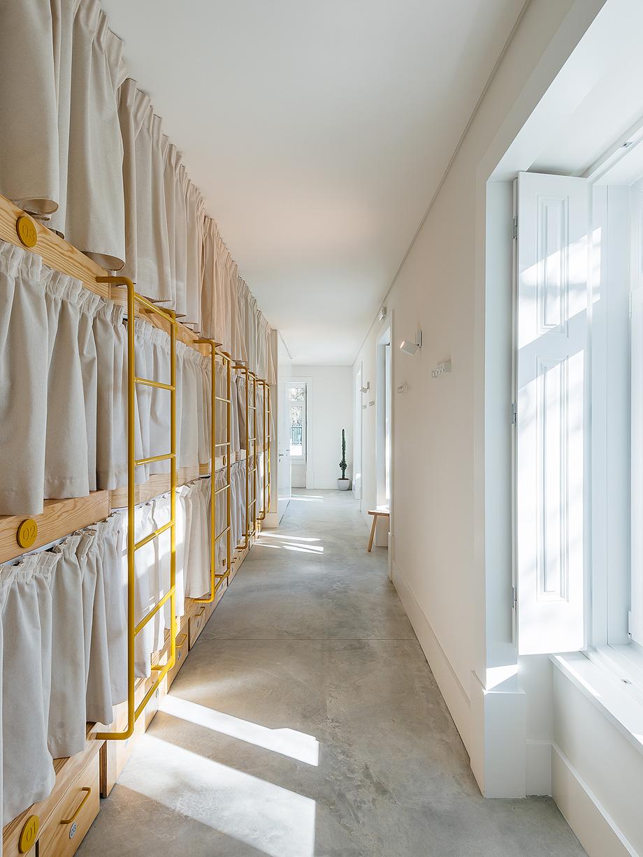 hostel na parede de aurora arquitectos - foto do mal o menos (38)