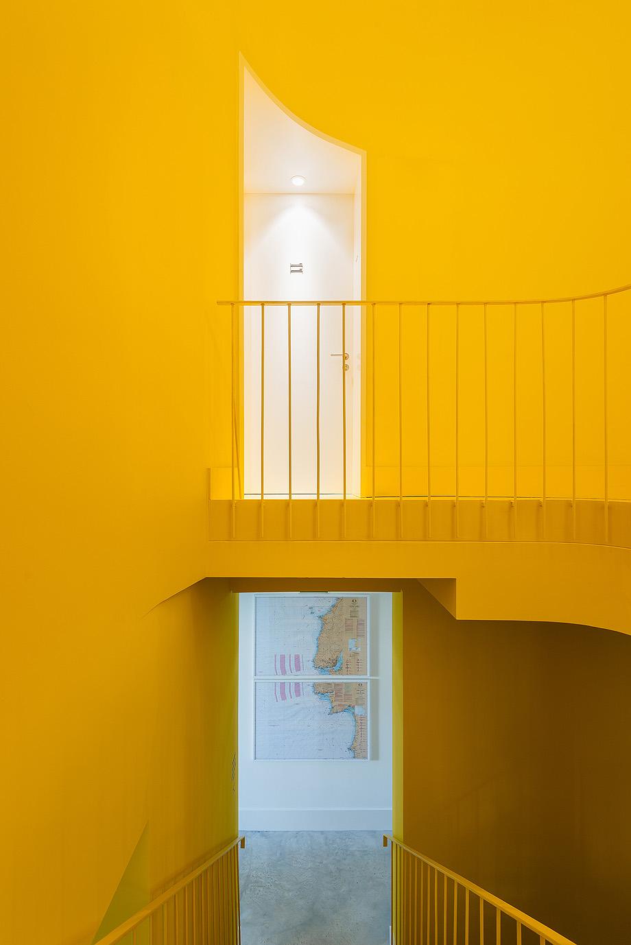 hostel na parede de aurora arquitectos - foto do mal o menos (9)