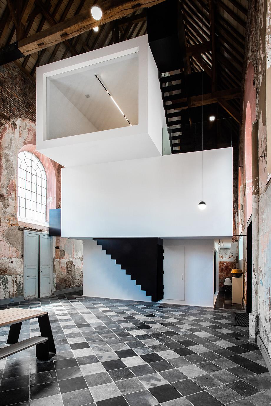 oficina de arquitectura de klaarchitectuur - foto valerie clarysse (2)