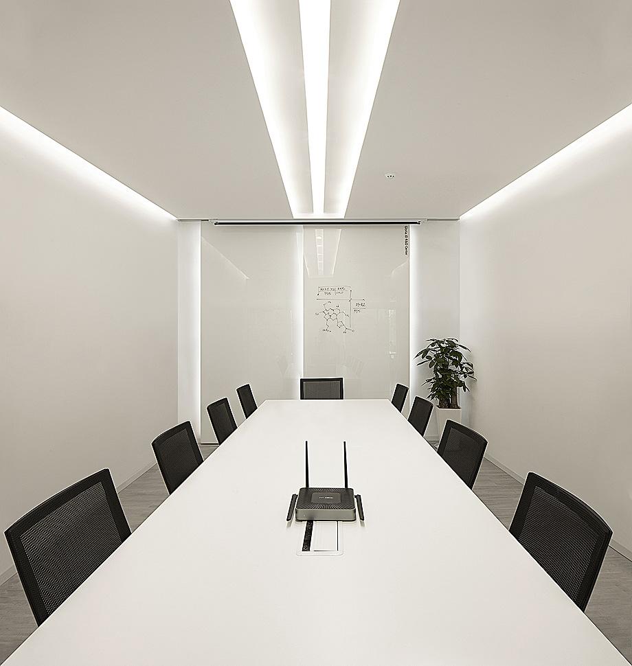 oficinas empresa farmaceutica por feeling design - foto wu wen (11)