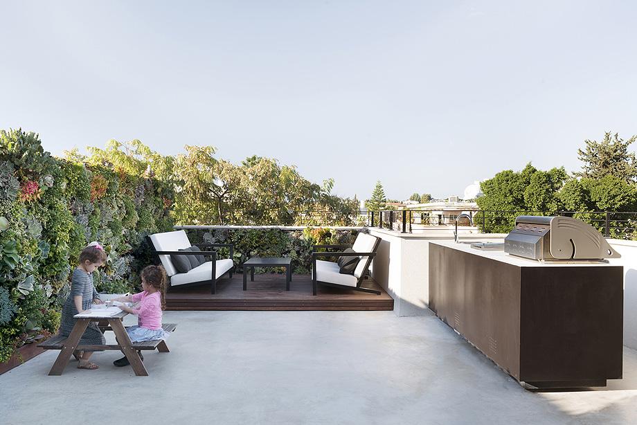 un jardin en la terraza por xs studio - foto gidon levin (19)