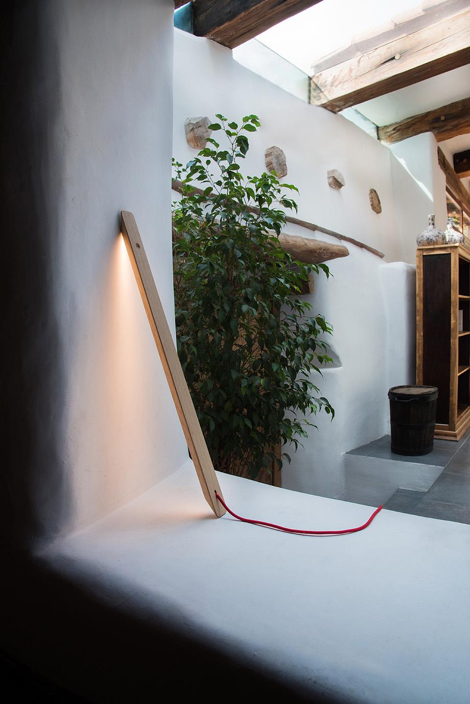 lampara branca de ramos & bassols para niru (4)