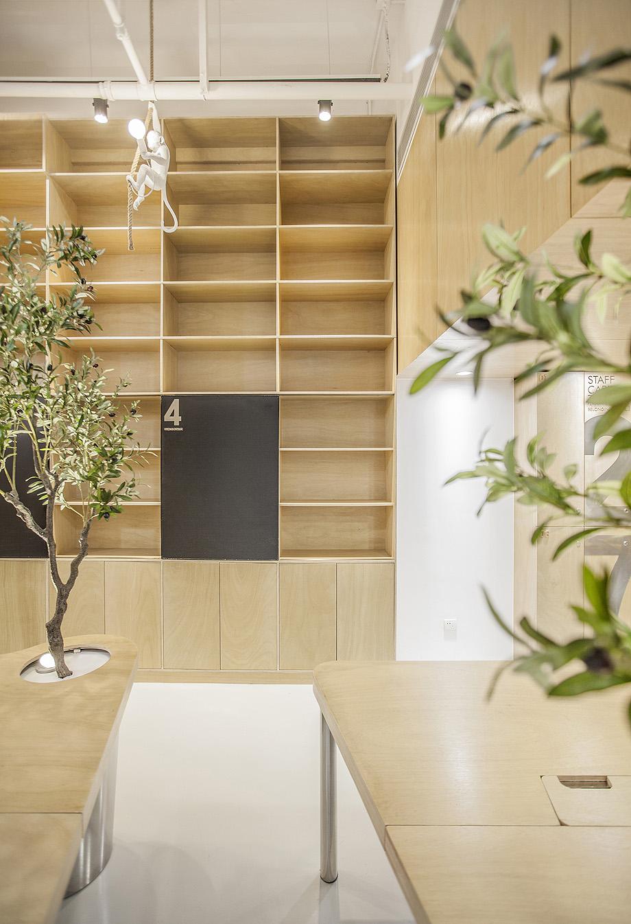 oficina con plantas de towodesign - foto towodesign (22)