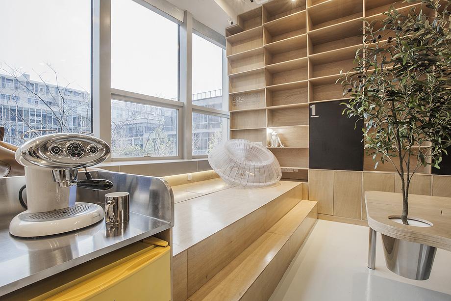 oficina con plantas de towodesign - foto towodesign (4)