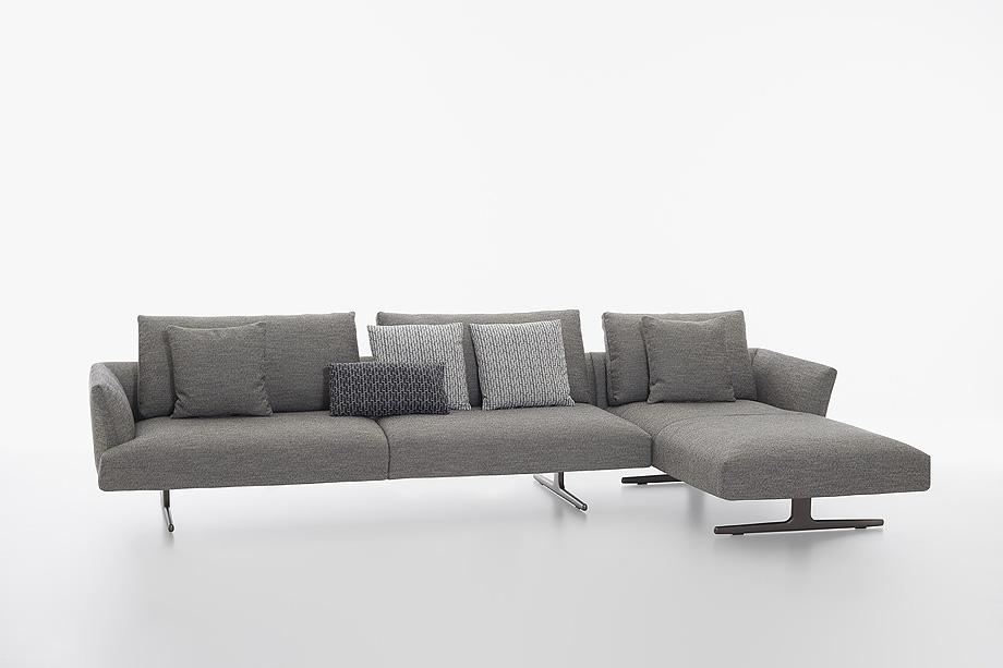 sofa hiro de damian williamson y zanotta - foto miro zagnoli (2)
