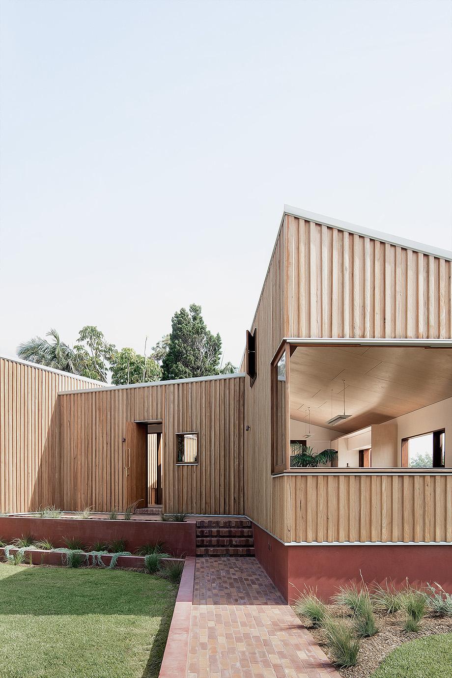 three piece house de trias - foto benjamin hosking (29)