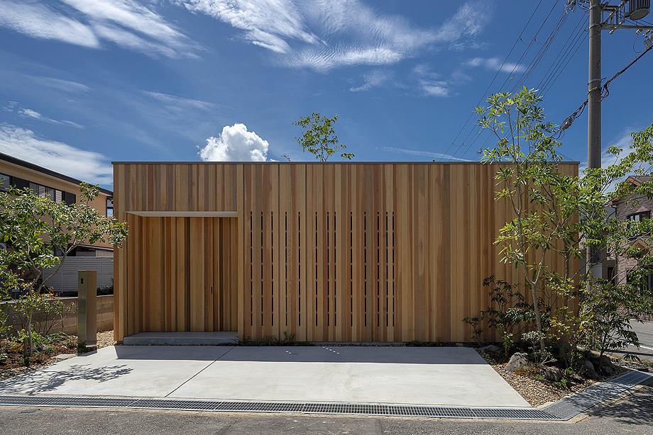 Casa En Akashi De Arbol   Foto Yasunori Shimomura (1)