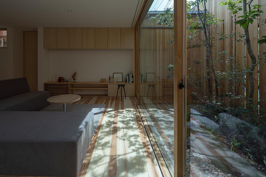 casa en akashi de arbol - foto yasunori shimomura (12)