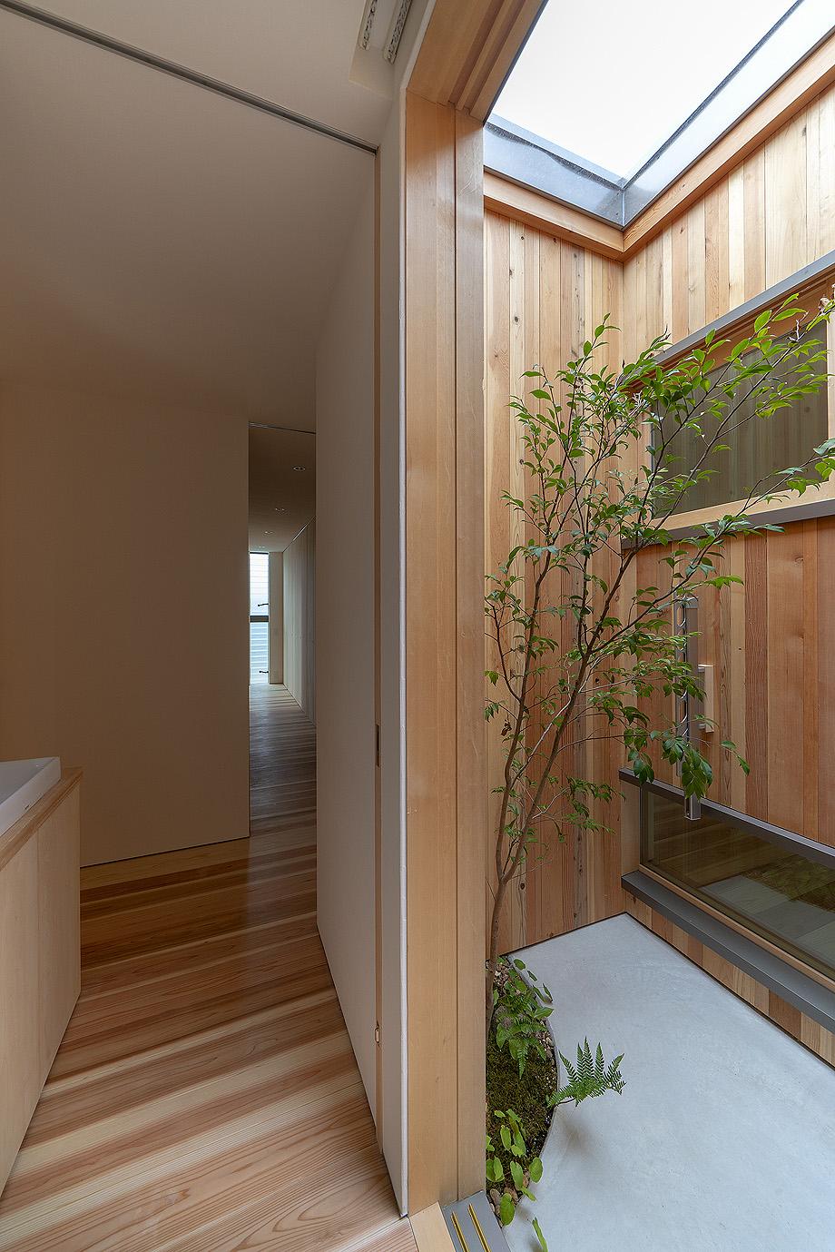 casa en akashi de arbol - foto yasunori shimomura (15)