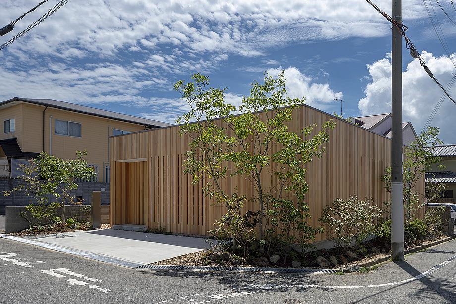 casa en akashi de arbol - foto yasunori shimomura (2)