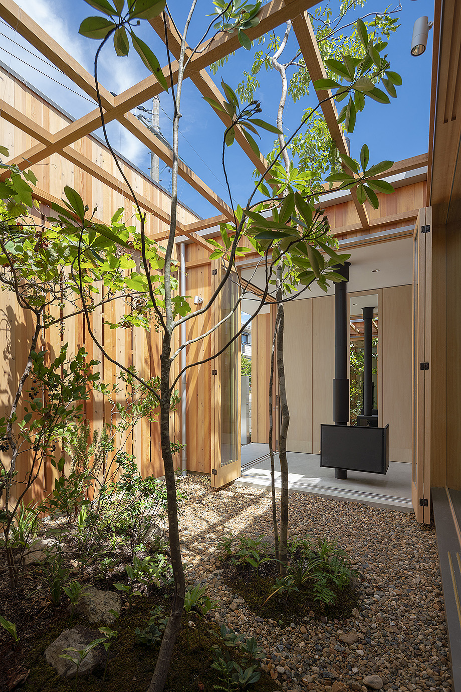 casa en akashi de arbol - foto yasunori shimomura (7)