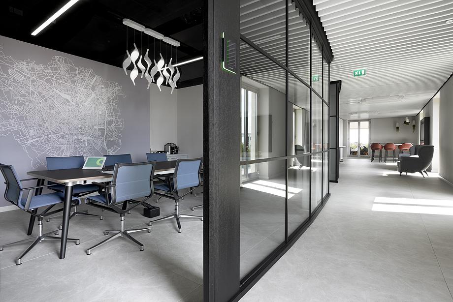 oficinas de cbre en milan con techos armstrong (10)