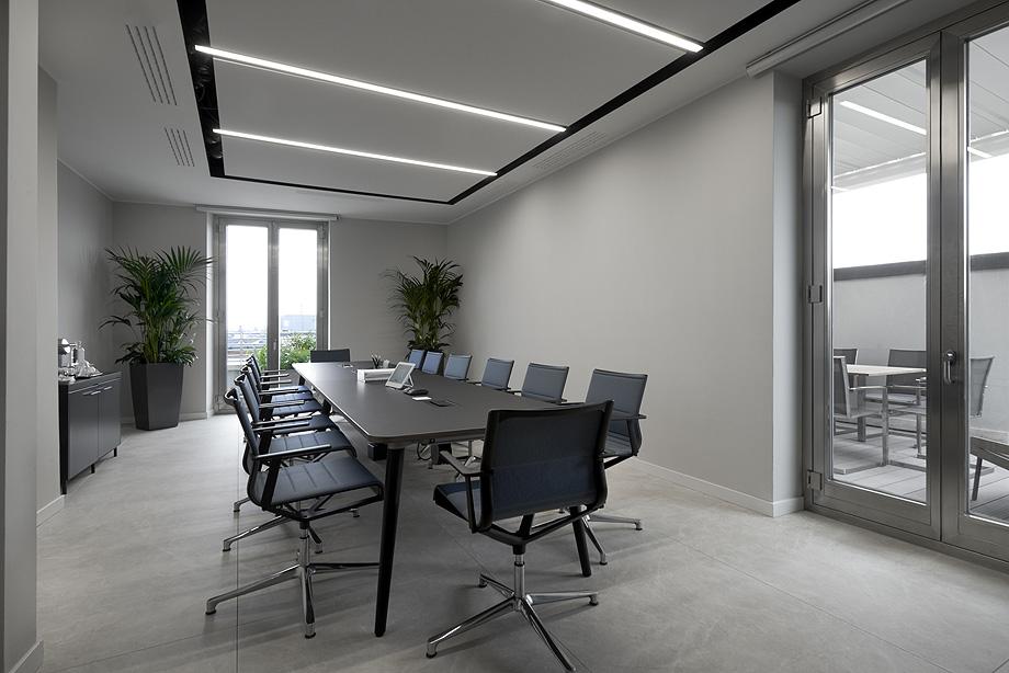oficinas de cbre en milan con techos armstrong (13)