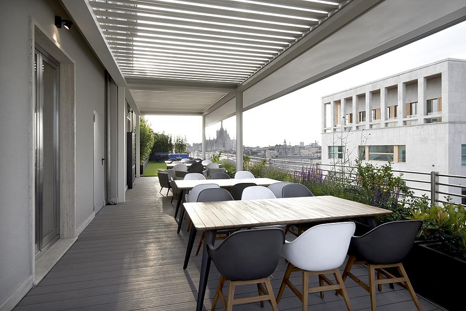 oficinas de cbre en milan con techos armstrong (15)