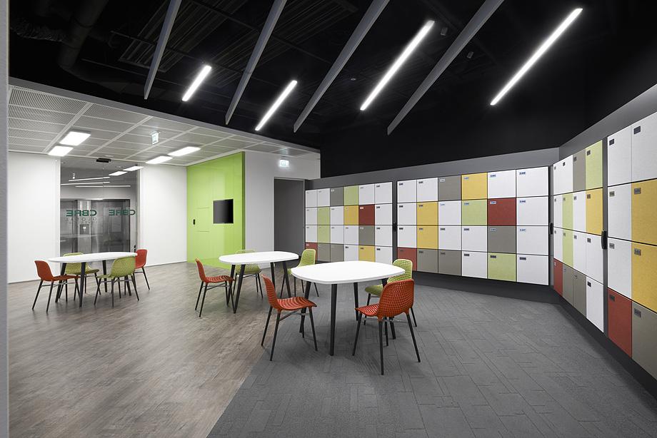 oficinas de cbre en milan con techos armstrong (6)