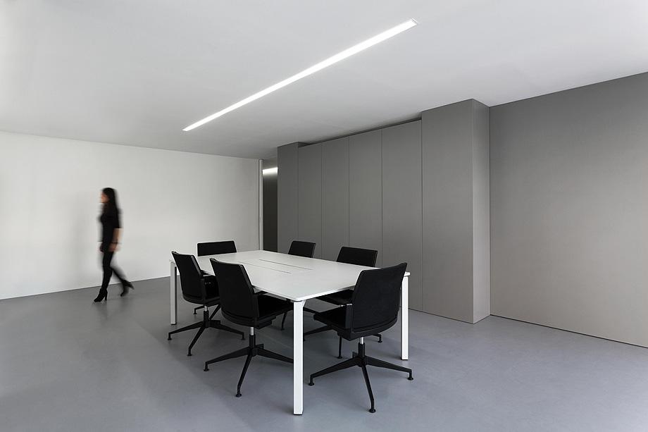 oficinas oav de fran silvestre arquitectos - foto diego opazo (13)