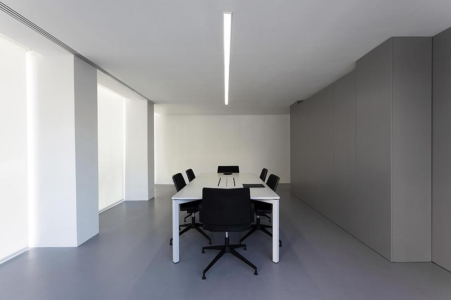 oficinas oav de fran silvestre arquitectos - foto diego opazo (16)