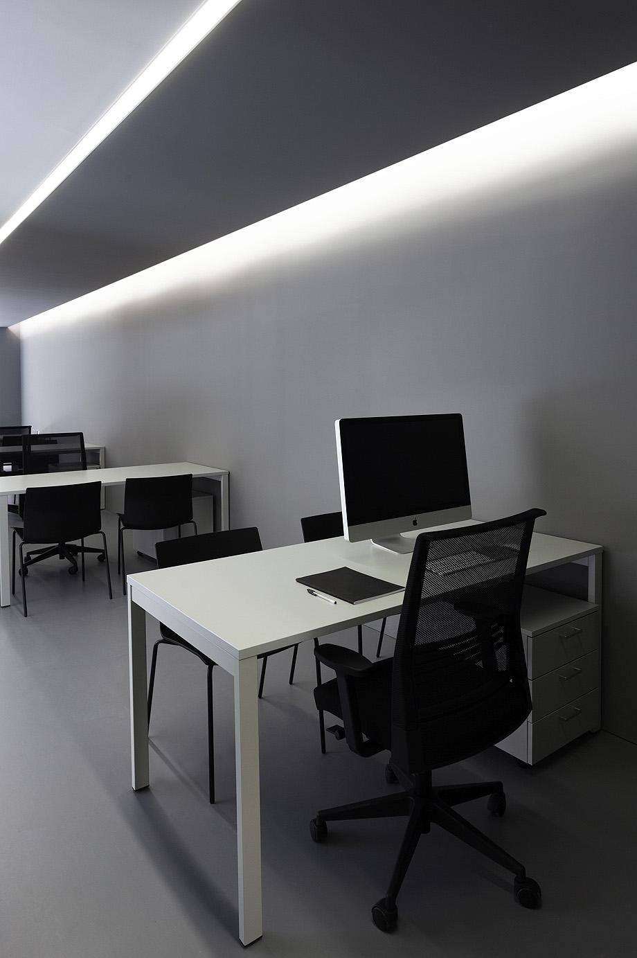 oficinas oav de fran silvestre arquitectos - foto diego opazo (19)