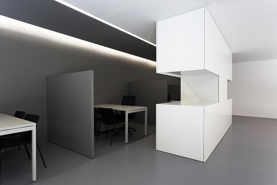 oficinas oav de fran silvestre arquitectos - foto diego opazo (23)